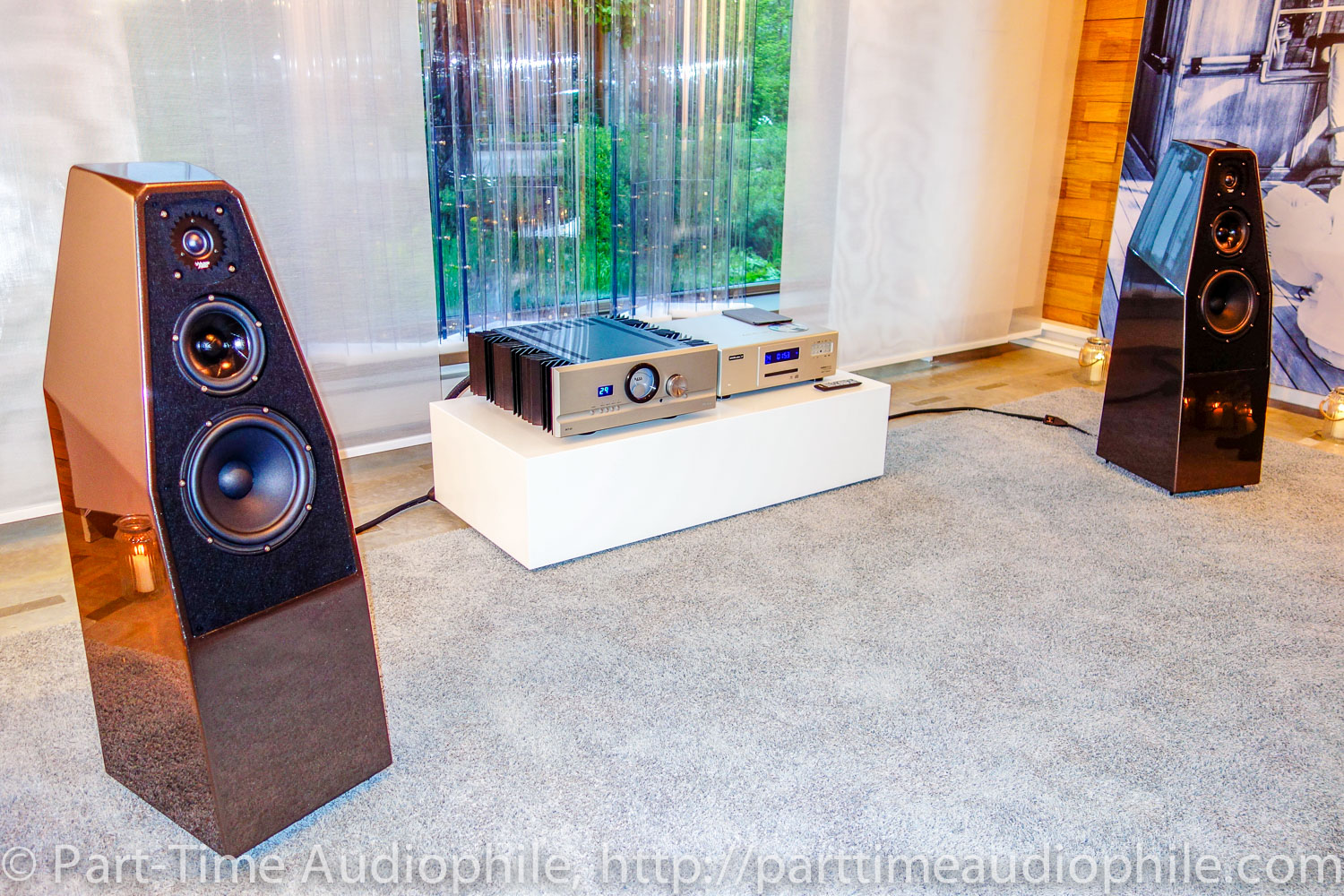 Audion receiver moreover Solar Collector Facts likewise Discussion T18044 ds658544 additionally Tesslor R 601S Retro Vacuum Tube AM FM Bluetooth Radio Review furthermore 1ad 2004 1. on vacuum tube receiver