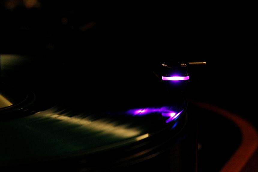 AXPONA2016: Aesthetix, DS Audio launch Cylon attack on vinyl