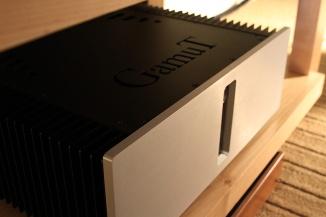 D200i stereo power amp