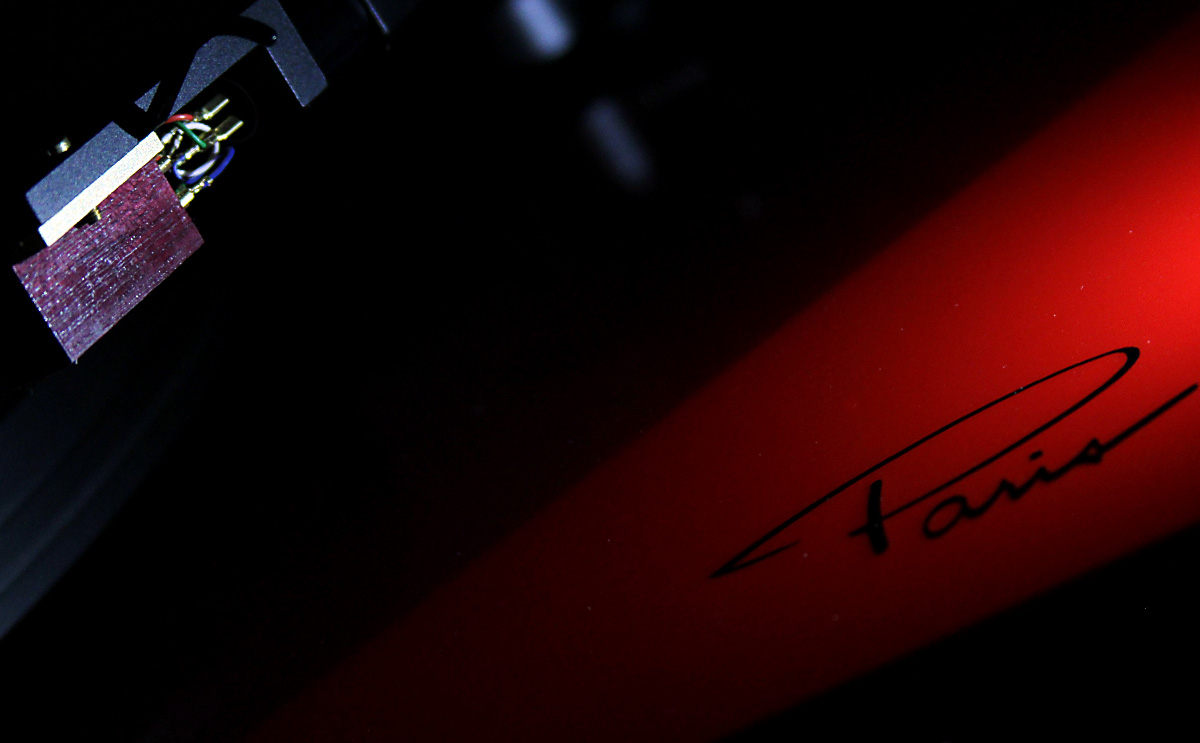 Suspended turntable battle: Oracle Paris MK V takes on Linn Sondek LP12