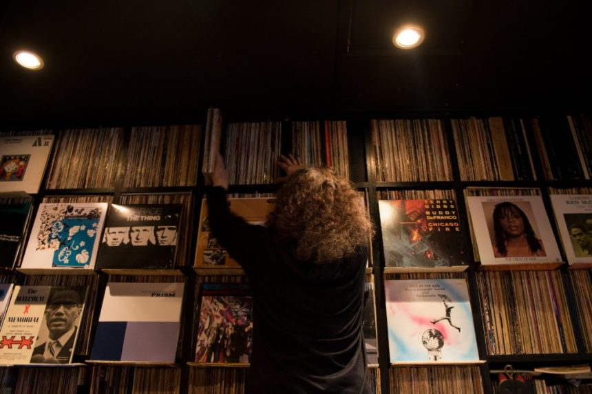 Videos: Tokyo record shops and disappearing jazz joints
