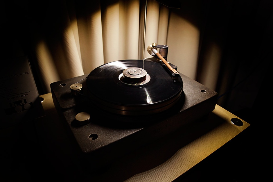 AXPONA 2017: Fern & Roby's Tredegar turntable impacts Chicago