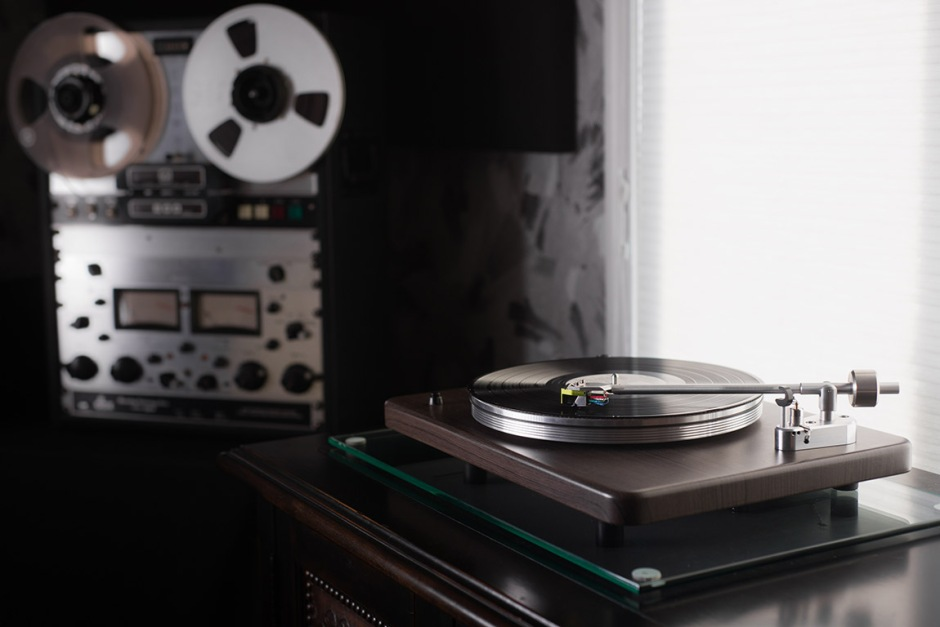 VPI Industries $900 USD Cliffwood turntable with Grado cartridge shipping this summer